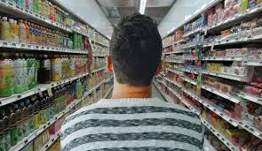 Berbelanja di supermarket