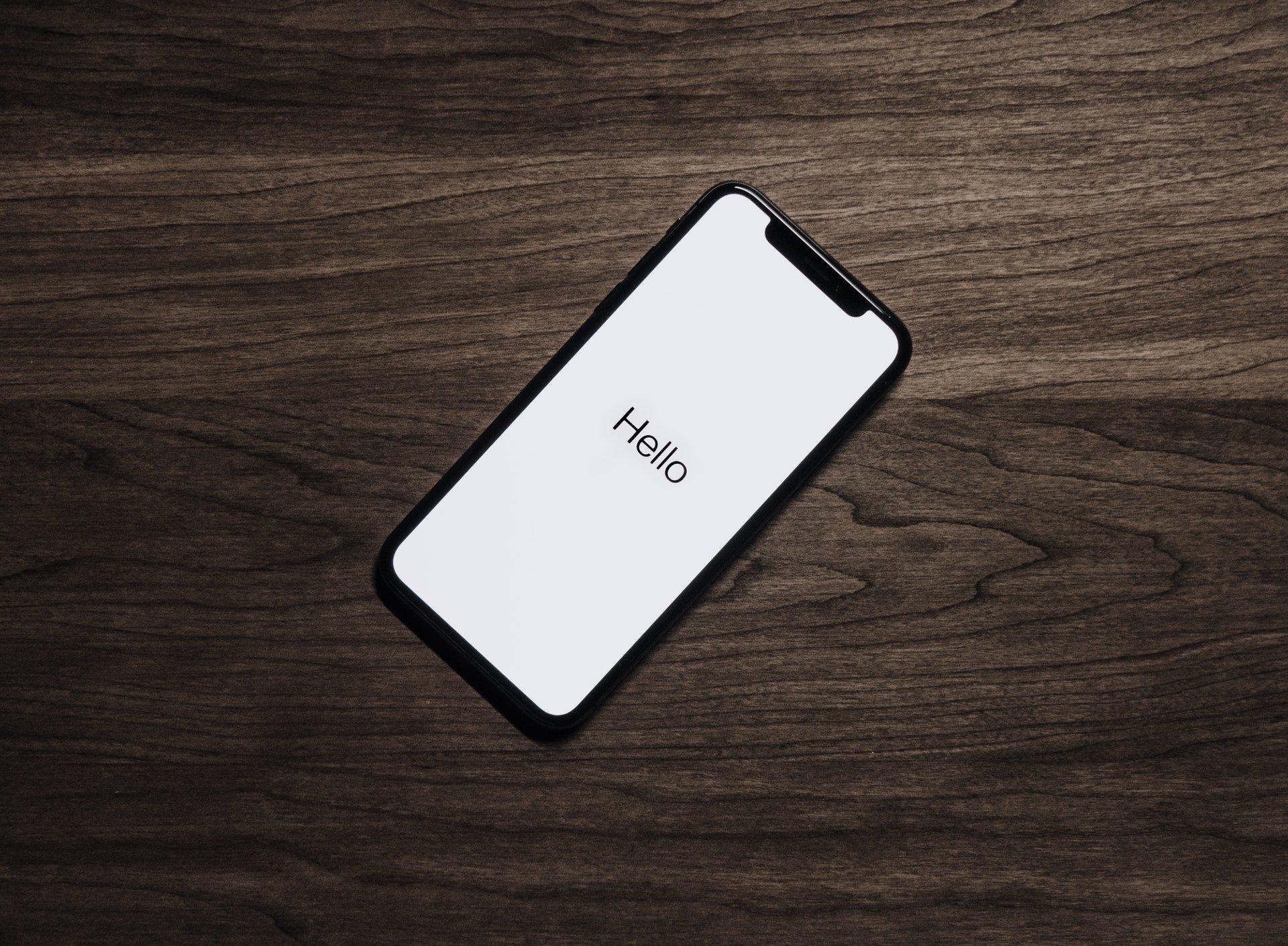 Susah Lepas Dari Ponsel? Ini Bahaya Penggunaannya Yang Harus Diwaspadai