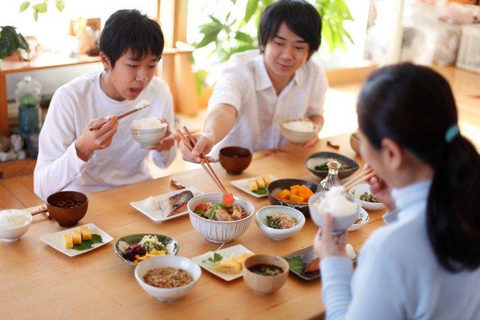 Hara Hachibunme: Metode Makan Ala Jepang yang Cocok di Bulan Puasa