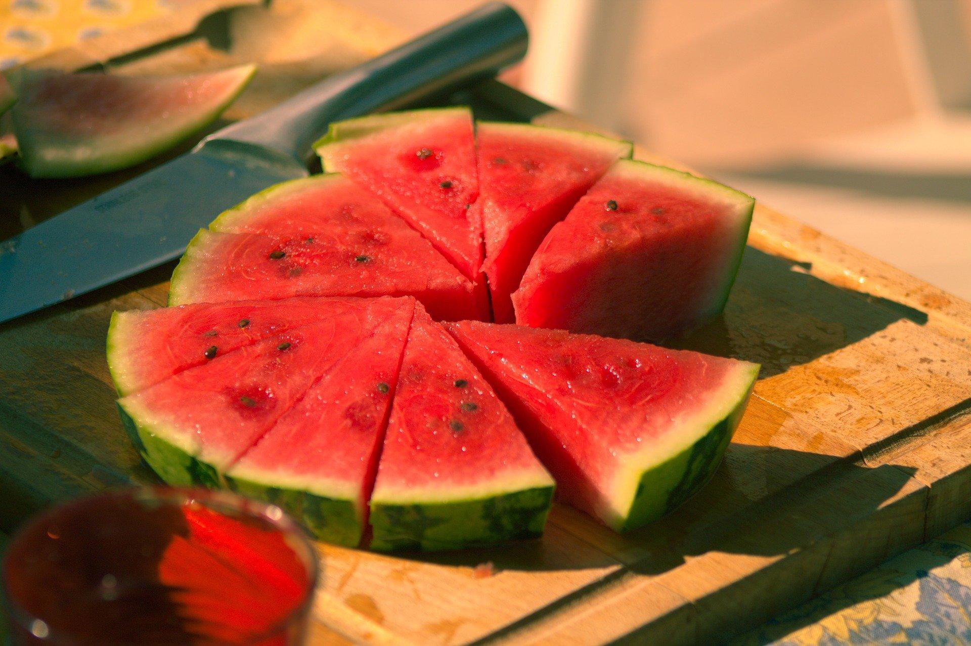 Kaya Vitamin C, Ini Buah dan Sayur Berwarna Merah